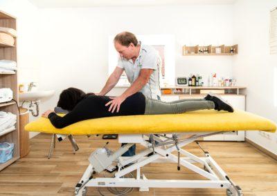 Behandlung am Rücken